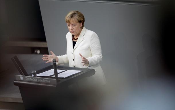 Меркель призвала ввести новые санкции против России
