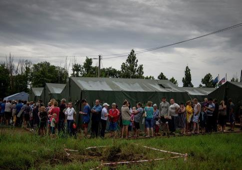 Беженцы с Украины получат первые соцвыплаты от ЛНР и ДНР