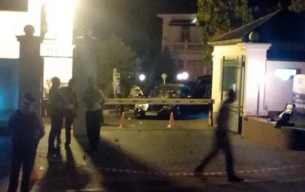В Одессе неизвестные обстреляли два автомобиля, есть жертвы