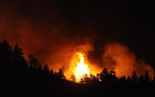 В Калифорнии из-за сильного пожара эвакуированы свыше тысячи человек
