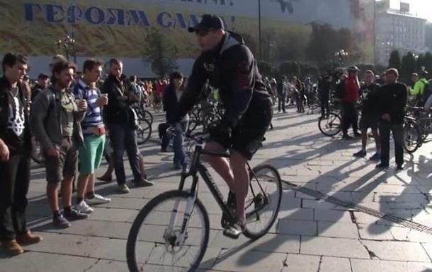 Кличко приехал на работу на велосипеде