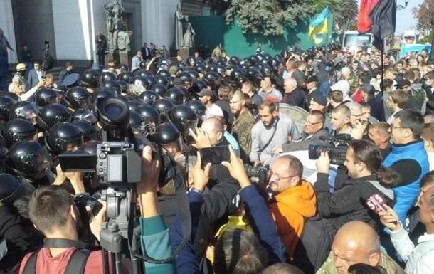В стычке под Радой пострадали двое гражданских и милиционер