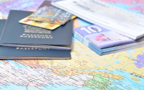 Россия разрешила иностранцам находиться в Севастополе три дня без виз