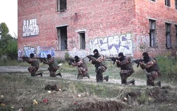 Харьковские  партизаны  показали, как тренируют добровольцев