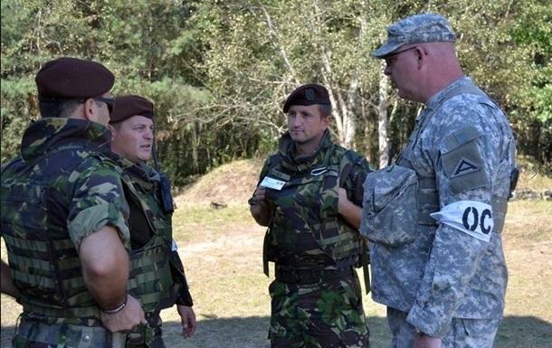 Военные учения под Львовом: сигнал России?