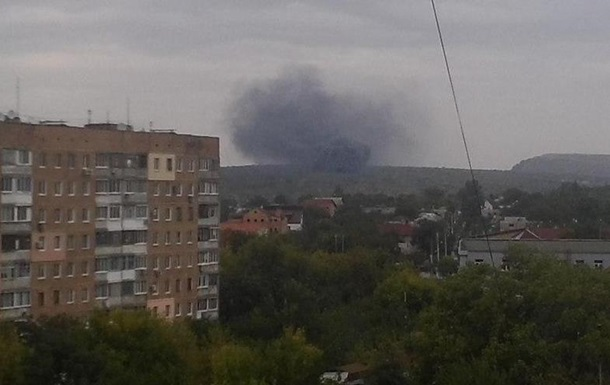 Над Донецком вновь видны клубы дыма, слышны залпы
