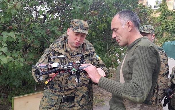 Турчинов и Аваков приехали в Мариуполь посмотреть образцы беспилотников