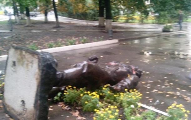 В Харькове ночью снесли памятник  товарищу Артему