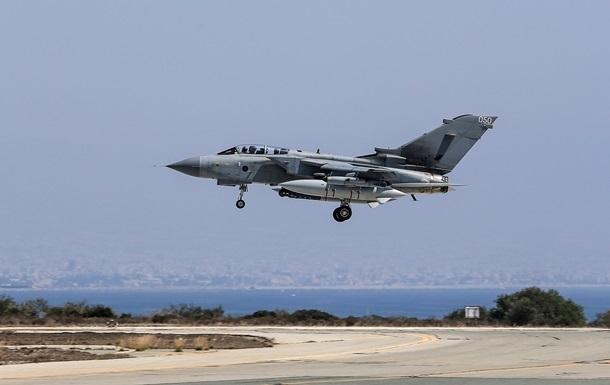 США и союзники нанесли авиаудары по нефтяным заводам исламистов в Сирии