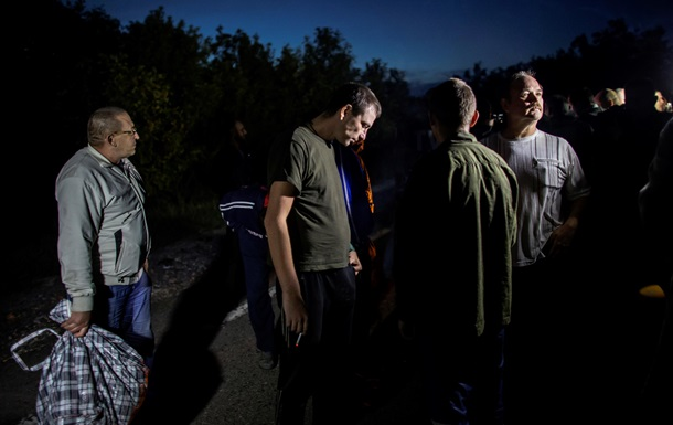 Киев обменивает на военнопленных случайных людей - New York Times