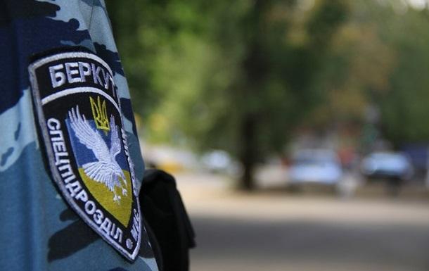 Суд снова отложил дело  беркутовца , подозреваемого в расстреле Майдана