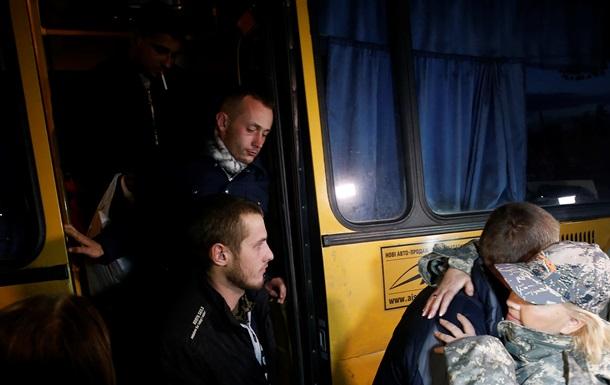 На Донбассе из плена освобождены еще пятеро украинских военных