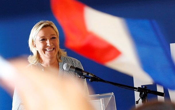В сенат Франции впервые попали ультраправые