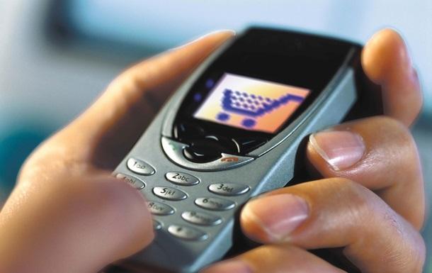 Пассажирам самолетов могут разрешить не отключать мобильные