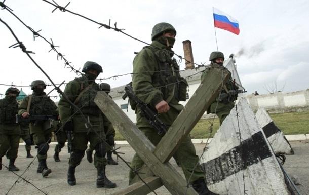 Россия стянула на север Крыма БТРы, танки и Грады - погранслужба