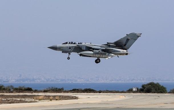 Великобритания присоединилась к авиаударам по исламистам в Ираке