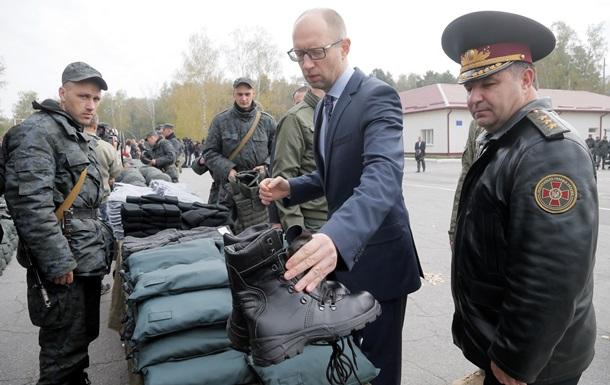 Яценюк сегодня проверит подготовку армии к зиме