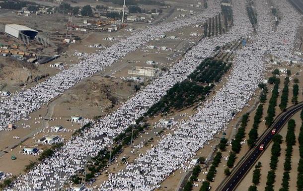 Во время хаджа в Саудовской Аравии умерли более 130 паломников
