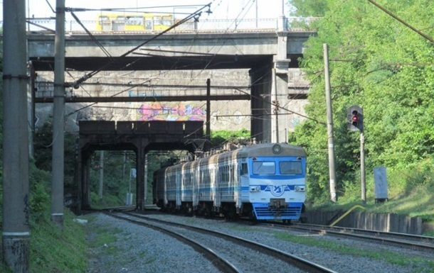 Поезд Киев-Луганск идет на