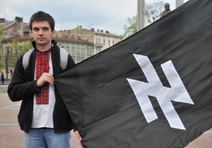 Почему Запад «вдруг» разглядел на Украине фашистов