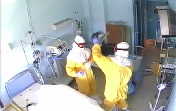 Еще одна медсестра в Испании госпитализирована с подозрением на вирус Эбола