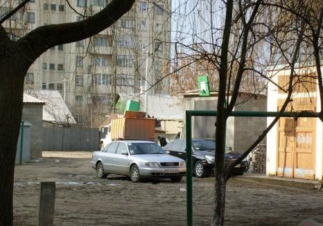 Общественная собственность в Костополе и гомосексуализм.
