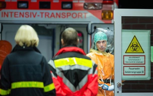 В Испании госпитализировали медиков, контактировавших с лихорадкой Эбола