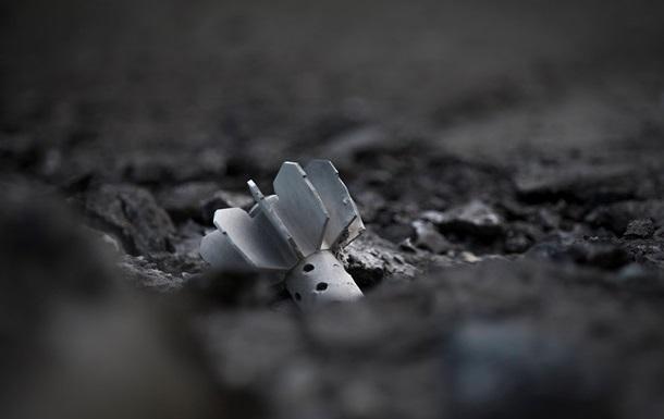 Автовышка Донецкоблэнерго подорвалась на мине