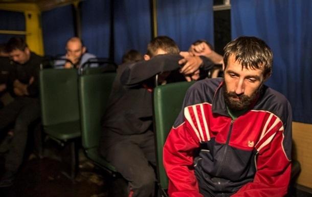 За время перемирия освобождено почти 1500 заложников - Порошенко