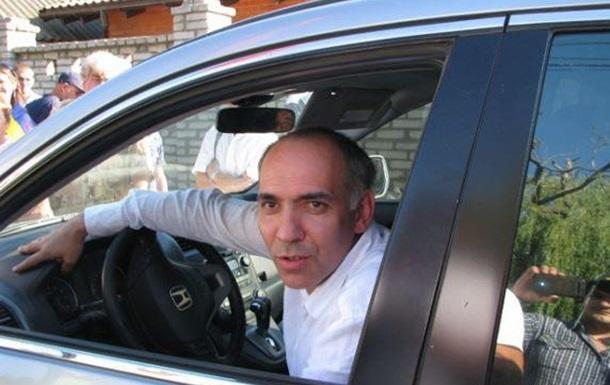 Новий джип за кіпіш пообіцяв Юрчишин Яремчуку