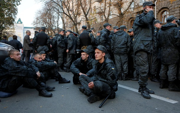 Аваков о митинге солдат под АП: Все будет - и дембель, и позор
