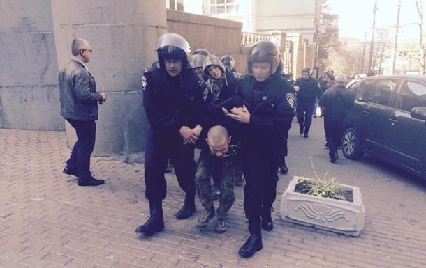 Милиция отпустила 17 человек, задержанных за беспорядки под Радой