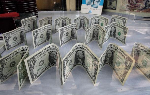 15 октября доллар подешевел незначительно