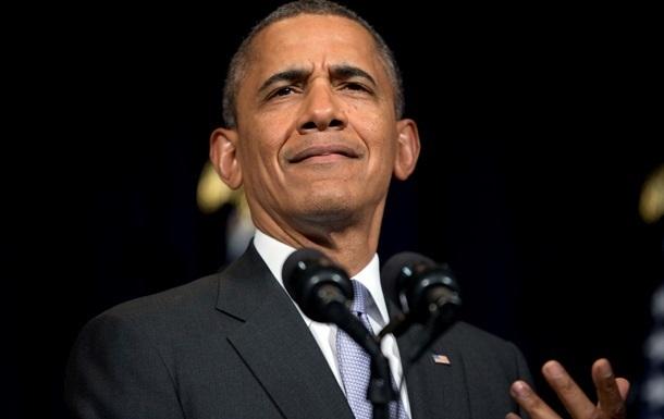 Обама отложил поездку по стране из-за ситуации с Эболой
