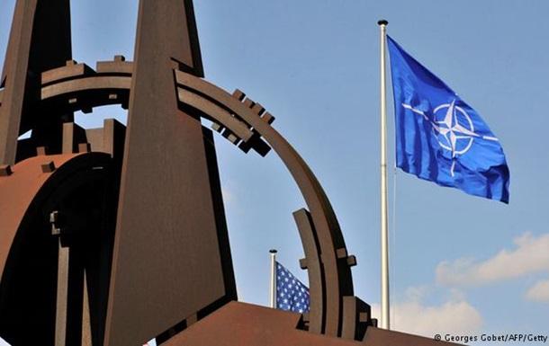 НАТО не видит заметного отвода войск РФ от украинской границы