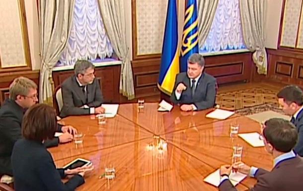 Порошенко вышел в эфир с журналистами