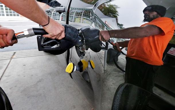 Рост цен не по дням, а по часам: почему дорожает российский бензин