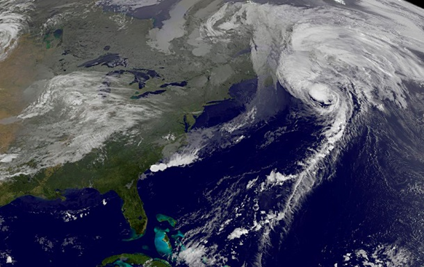 В Канаде бушует ураган Гонсало