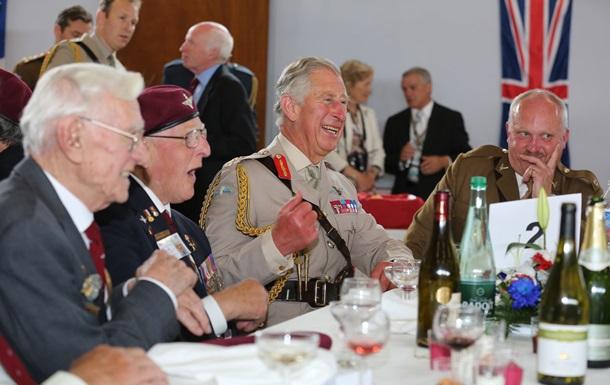 Букингемский дворец организовал слежку за поварами принца Чарльза