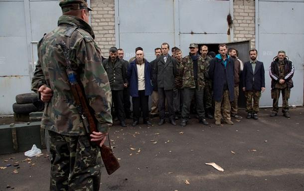 Из плена сепаратистов освобождены 822 человека – полпред президента