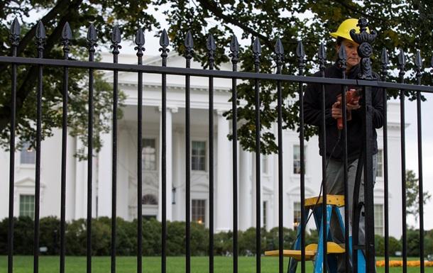 В США задумались об усилении ограды вокруг Белого дома