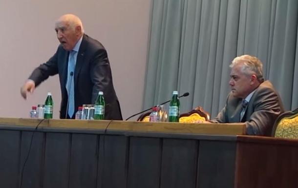 Правозащитник: Скударь готовит массовые фальсификации на выборах в Краматорске