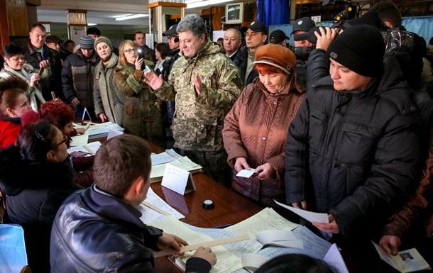 Порошенко посетил избирательный участок в Краматорске