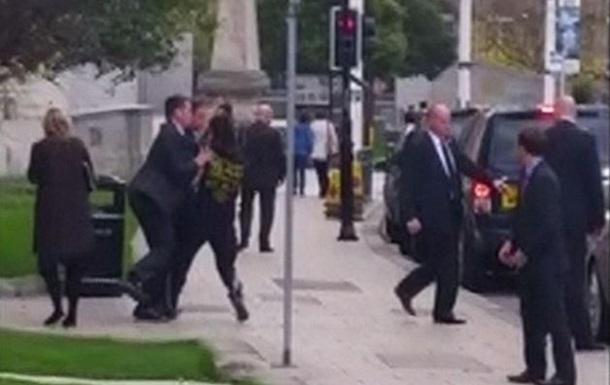 Охранники предотвратили нападение на премьера Великобритании