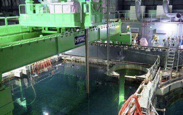 Ветер сорвал на Фукусиме часть защитного купола