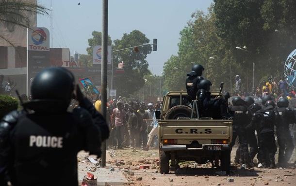 Президент Буркина-Фасо ввел чрезвычайное положение
