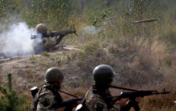 Сепаратисты всю ночь обстреливали Счастье – штаб АТО