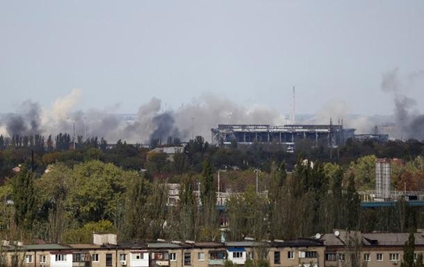 Силовиков обстреливают в Донецком аэропорту и на Бахмутке