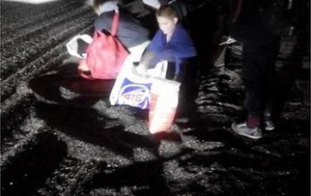 Грузовик с 12 тоннами семечек перевернулся в Днепропетровске