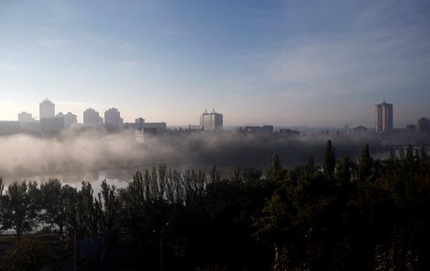 В Донецке целый день слышны взрывы